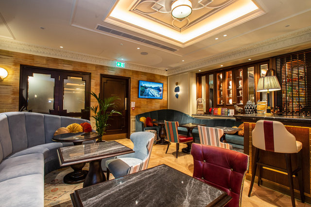 find a co-working space in W/A Restaurant at 100 Queen's Gate Hotel, London