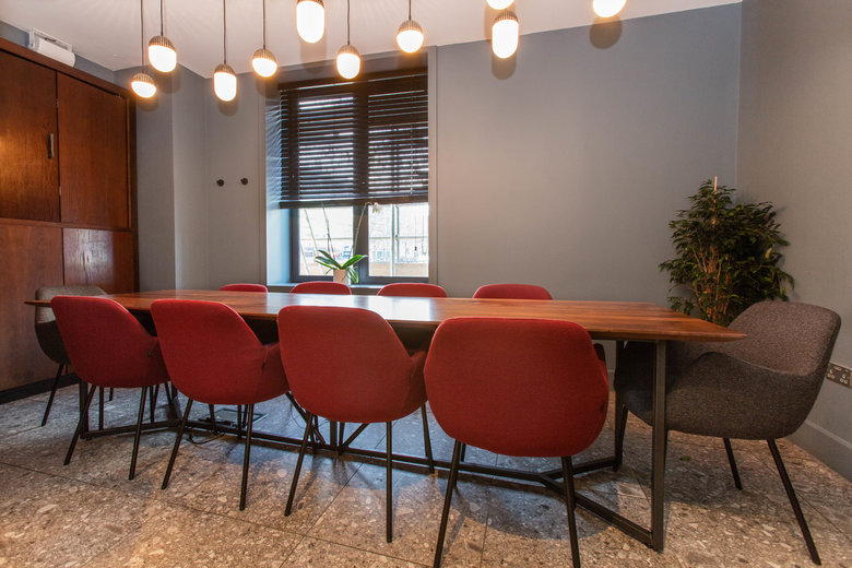 find a co-working space in Euston